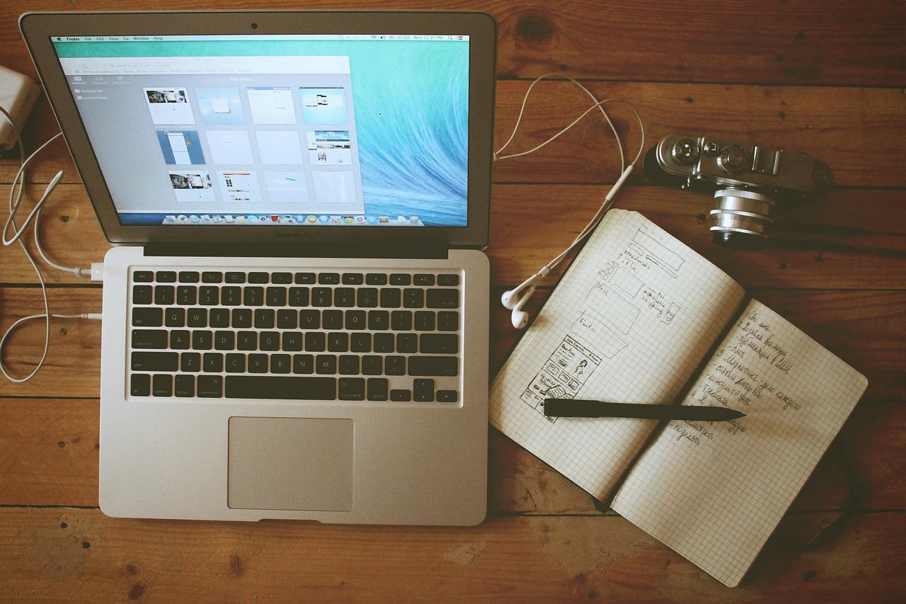 ブログ ライティング パソコン